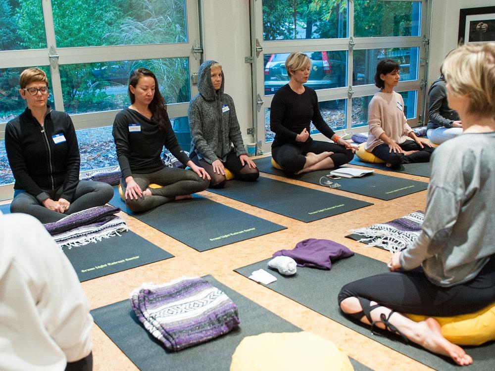 Inseus_In_Yoga_Studio_1920x1440.jpg