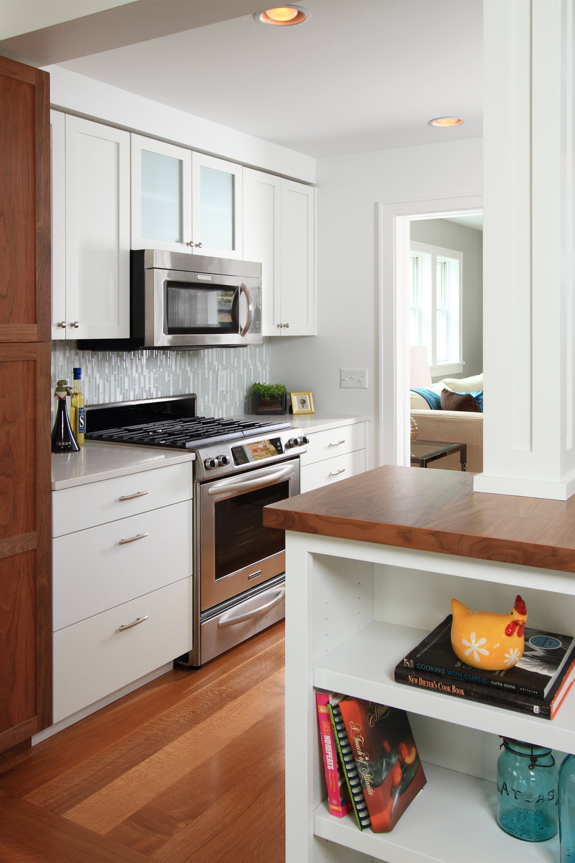 kitchen stove vert.jpg