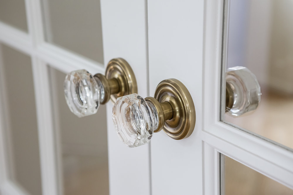 CrystalDoorknobs_FrenchDoors_2017_08_29.jpg