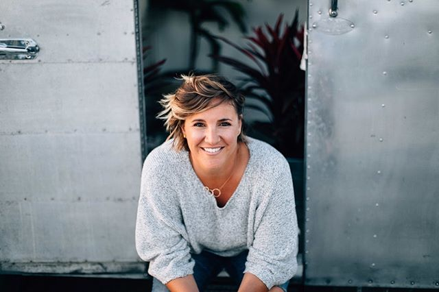 Meet Elyse! 👋⠀⠀⠀⠀⠀⠀⠀⠀⠀ She is a licensed family and marriage therapist who will share her best advice from years of counseling couples in a romantic relationship. Her goal in couples counseling is to promote truth + intimacy, and to equip you with everything you need to enjoy your marriage or relationship. We can't wait to hear from her at Rise Together conference this week! 💛 #RiseTogether #RiseWknd