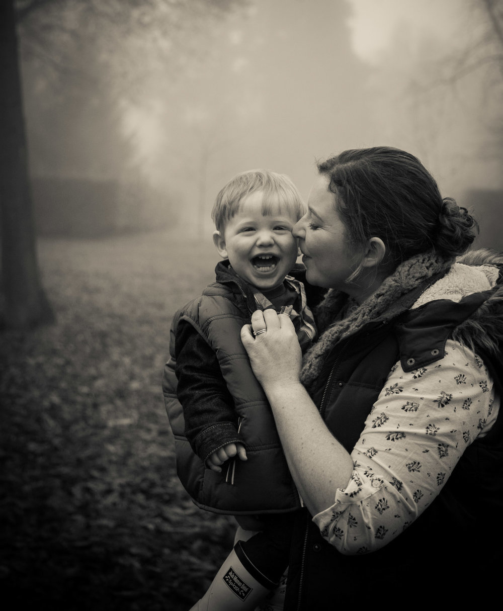 family-life-family-photographer-oxford-london-jonathan-self-photography-20.jpg