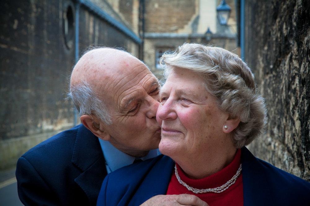 couples-love-photographer-oxford-london-jonathan-self-photography-14.jpg