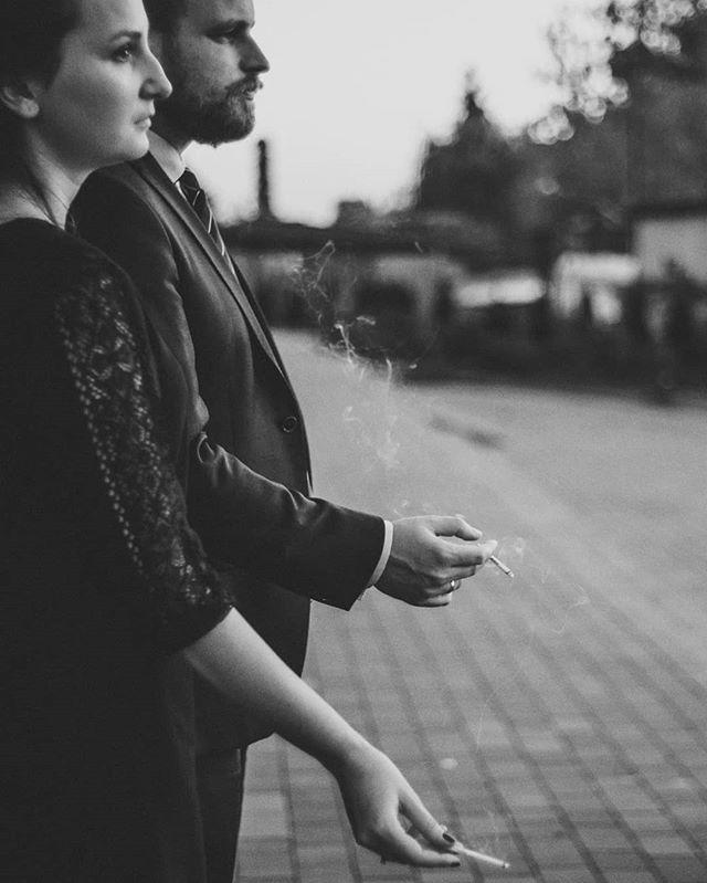 #womenandmen #sheandhim #cigarette #blackandwhite #bw #blackandwhitephotography #weddingparty #weddingphotography #photojournalism
