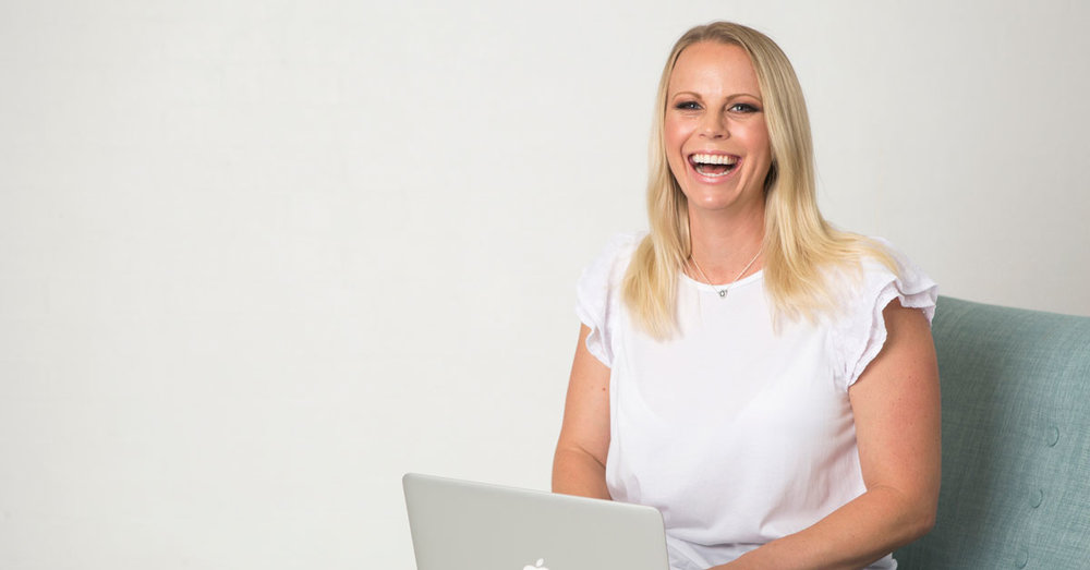Rebecca-Flint-Visual-Personal-Brand-expert.jpg