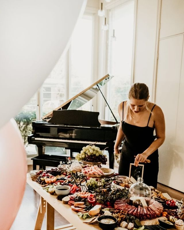 Look at that grand 😍😍 ⠀⠀⠀⠀⠀⠀⠀⠀⠀ Did you know, beside owning Grazehouse and food styling I am also aspiring musician 🙋🏼♀️ (need a lot of work with those keys though) ⠀⠀⠀⠀⠀⠀⠀⠀⠀ •⠀⠀⠀⠀⠀⠀⠀⠀⠀ •⠀⠀⠀⠀⠀⠀⠀⠀⠀ •⠀⠀⠀⠀⠀⠀⠀⠀⠀ #grazingtable #graze #grazehouse #weddingplatter #weddingtable #weddingreceptiondecor #weddingreceptionideas #weddingpackage #bridesmaids #bridalshower #bridalshowerdecor #bridalshowerideas #hens #bacheloretteparty #bachelorettepartyideas #bacheloretteweekend #bacheloretteinspiration #hensinspo #hensparty #henspartyideas #henspartyfun #weddinginspo #weddinginspirations #weddinginspiration #weddingphotographer #newcastle #hunterregion #centralcoast #newcastlevenue #newcastlewedding