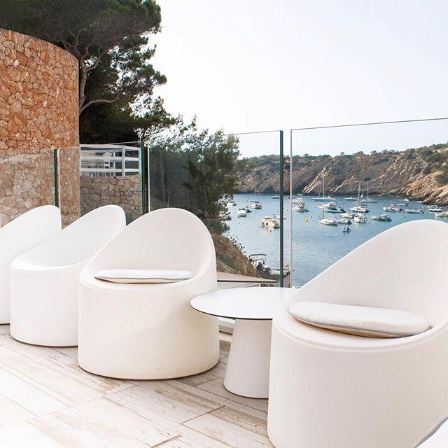 Take a seat, we'll take care of the rest..🏝 • #mayabeachclubibiza #ibiza #ibiza2018 #eivissa #calavadella #ibizalife #ibizawedding #beachclub #allwhite