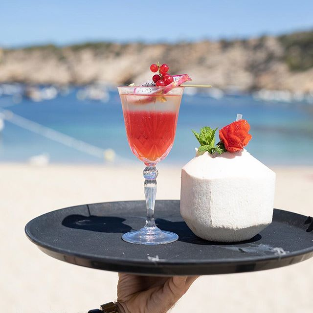 Every hour is a happy hour at #mayabeachclubibiza • #ibiza #ibiza2018 #eivissa #calavadella #cocktails #cocktailtime #beach