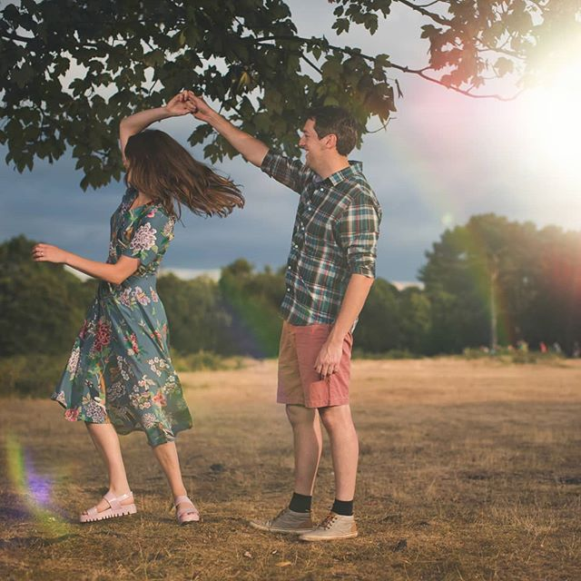 Love this engagement shoot! Getting married? Send us a message to check a date  #jigsawphotographyuk #suttoncoldfield#portraitphotography #canoneos5D #weddingphotographer #engaged #bridetobe #suttonpark