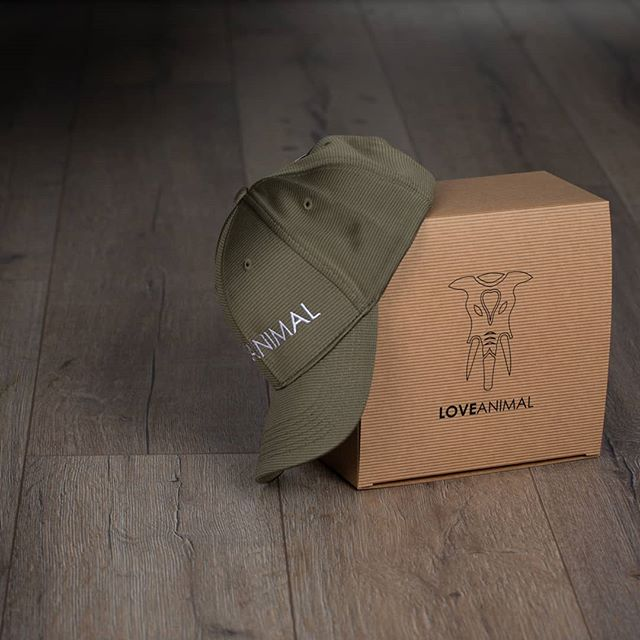 We've been sent these bamboo Love Animal hats to photograph, loved them so much that I bought one myself! Visit http://www.loveanimal.co.uk to get yours!  #jigsawphotographyuk #loveanimal #bamboo #eco #hat #cap #productphotography