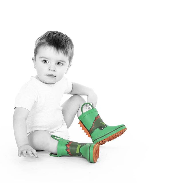 Look at those little wellies!  #jigsawphotographyuk #suttoncoldfield#portraitphotography #canoneos5D #kids #coloursplash