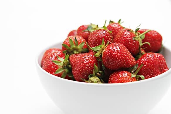 IMG_5056-Strawberries-in-white-bowl