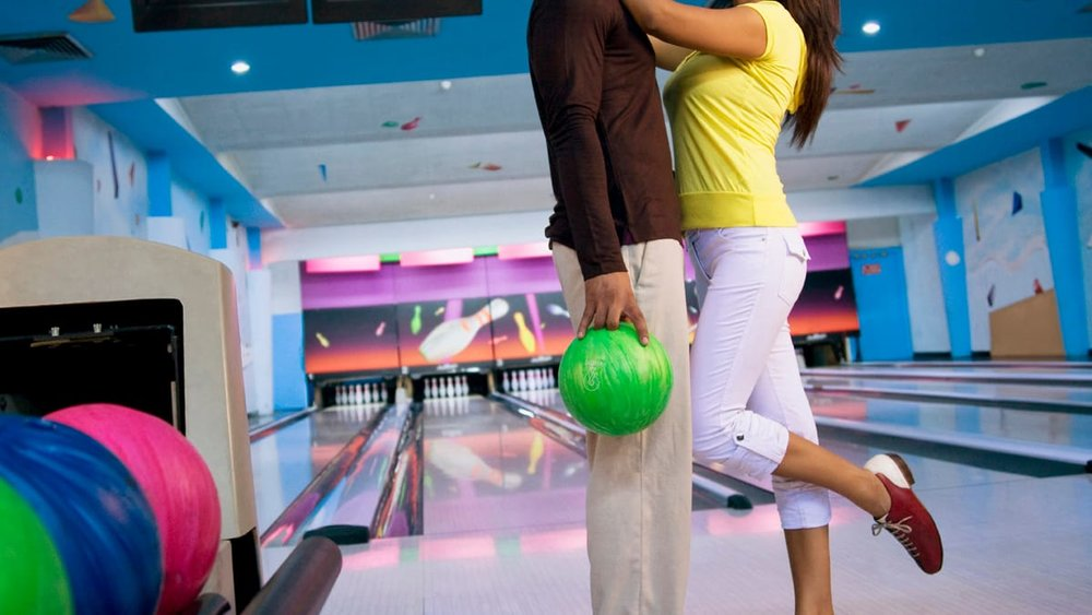 5. Bowling - Here's another one for those who like some competition! Go bowling with bae at Bowlero Jupiter where you can bowl in style with 60 lanes and couches to lounge on. They have food, drinks, an arcade, beer pong, corn hole, and billiards, so you're sure to have an awesome #DateNight!