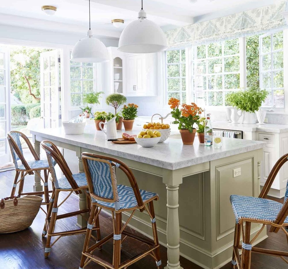 4. Green - This one is for all of you out there looking to add something radiant and bold to your kitchen.Green is perfect for brightening a space and creating a pleasant atmosphere.