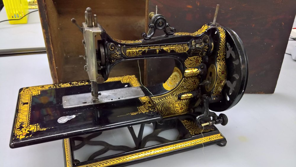 Sewing Machine Find 7.jpg