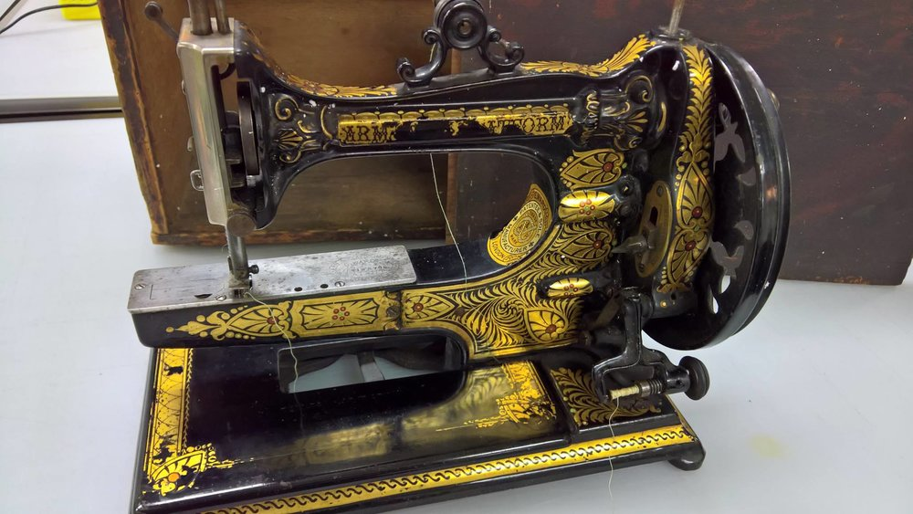 Sewing Machine Find 8.jpg