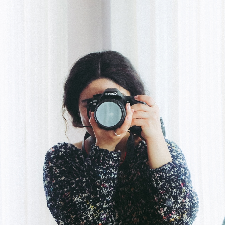 WORKSHOPS / CLASSES - Whether it's getting your photos off of your phone and onto your walls, learning how to use your DSLR camera or expressing yourself through one of our themed collaborative workshops, you'll always find a class that speaks to your heart at Howie Mac Photo.