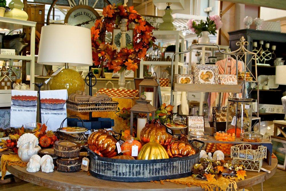 Ivy-Cottage-Thanksgiving-Decor.jpg