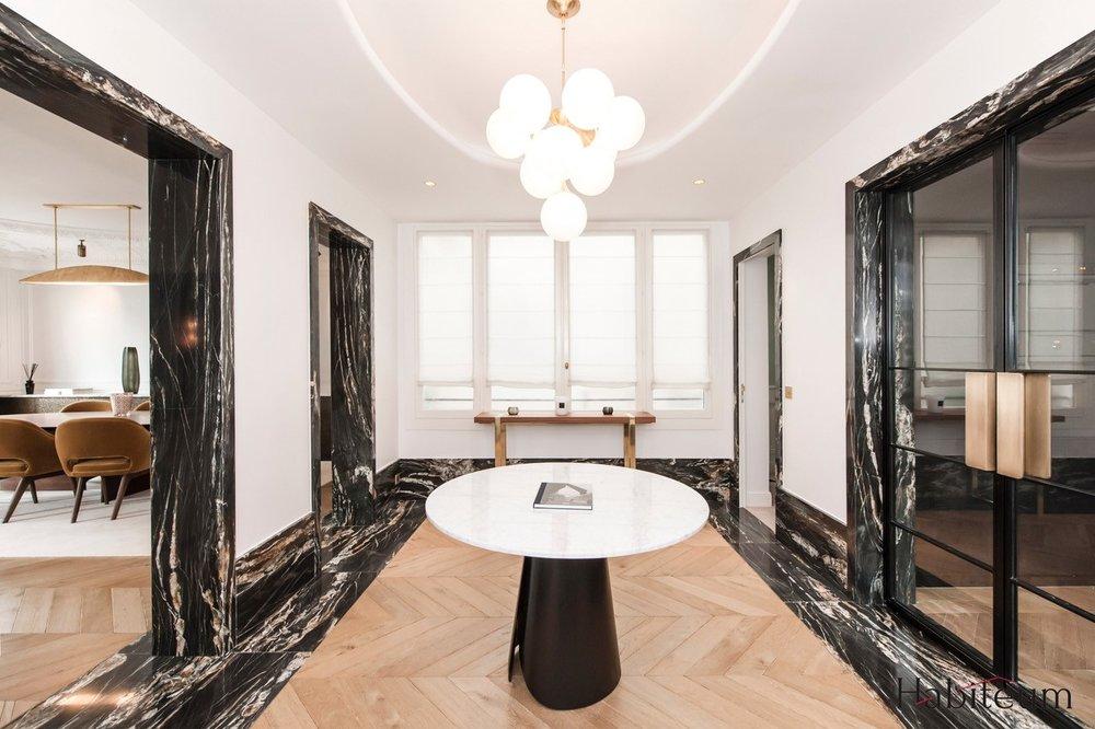 Encadrement passage arche seuil granit ara cruz Appartement Parisien Omni Marbres