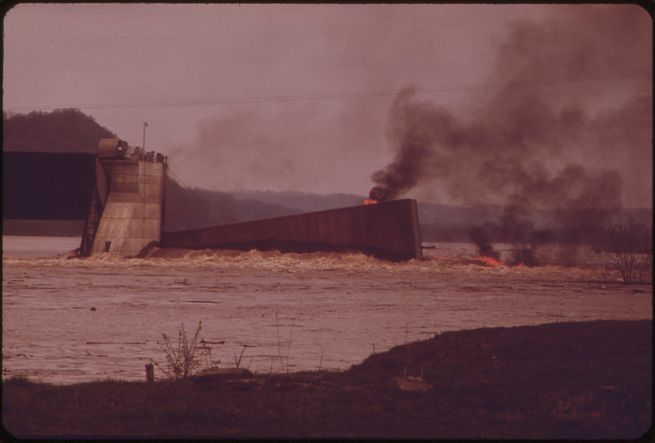 Burning Barge On The Ohio River, May 1972.  William Strode, EPA, National Archives .