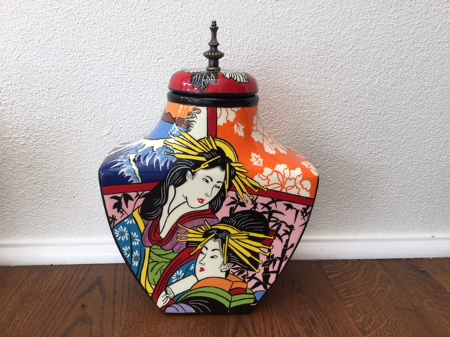 japanese urn back 2.jpg