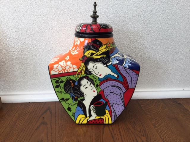 japanese urn front 2.jpg
