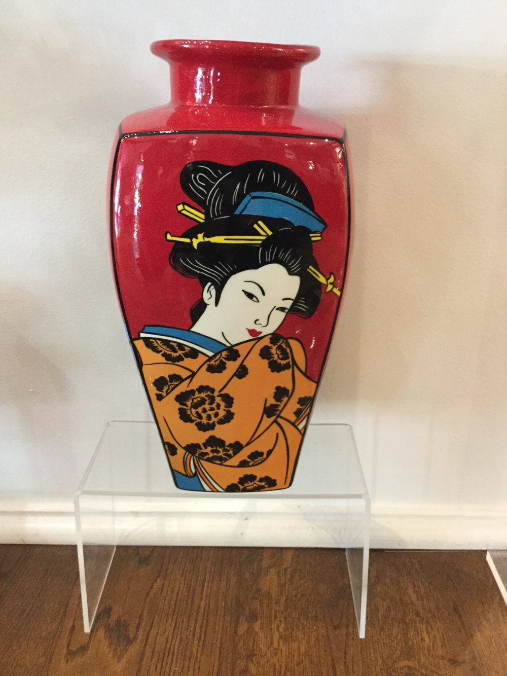 Red Geisha Vase