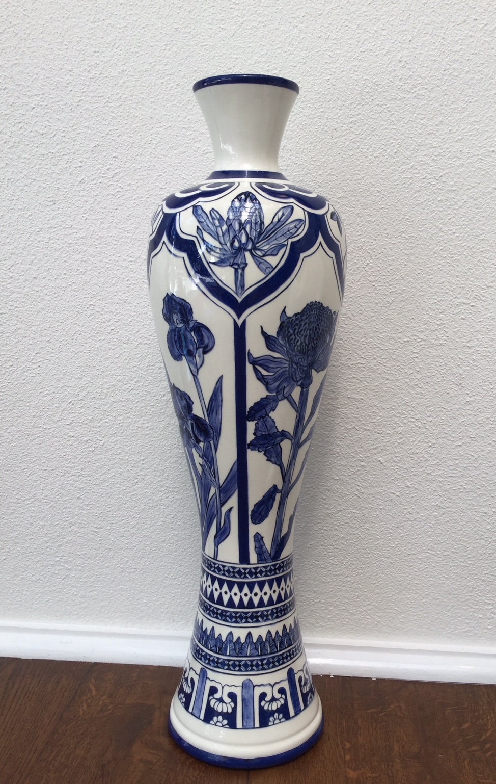 Australian Flora Vase.jpg