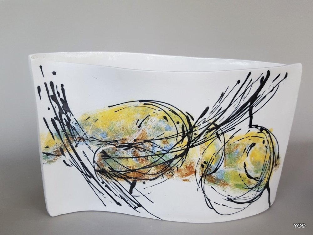 Arabesque 3 - porcelain