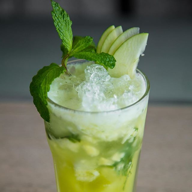 Looking for a caffeine alternative? Refresh yourself with the Apple Mojitos and thank us later.
