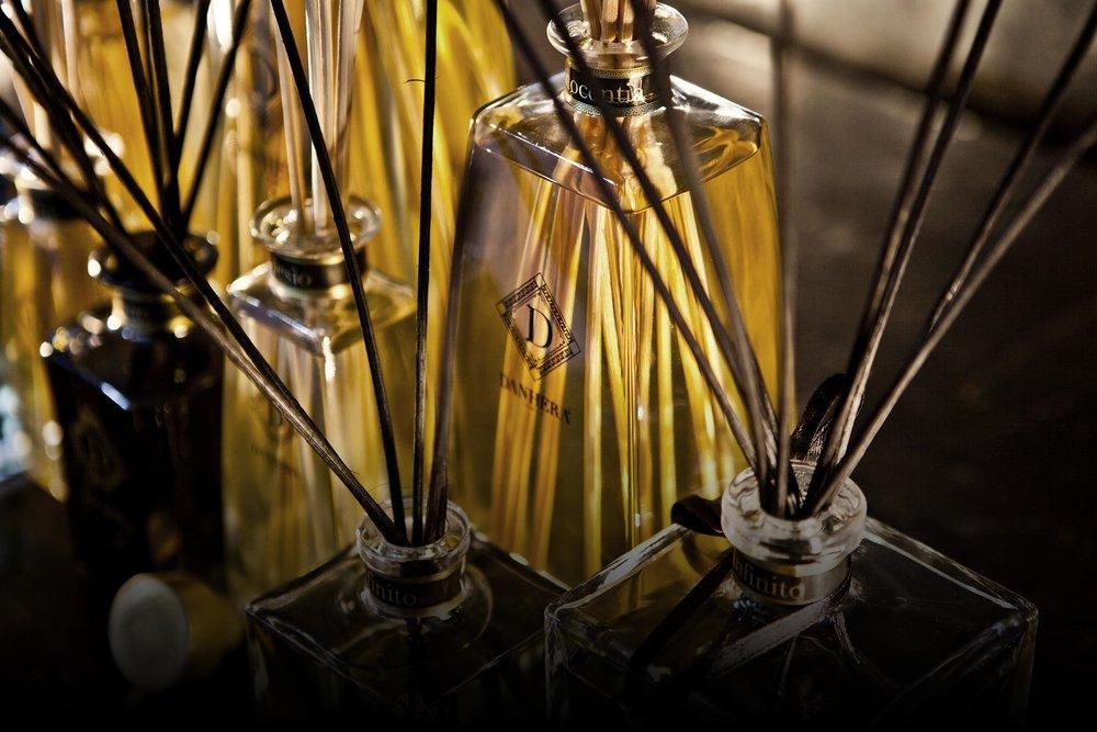 Luxury Interior Fragrances - Une collection divine de parfums d'ambiance.