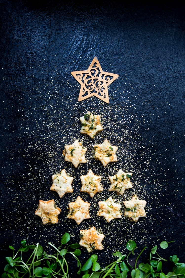 Keri has arranged her stars in the shape of a beautiful Christmas tree, but you can try any design you like!