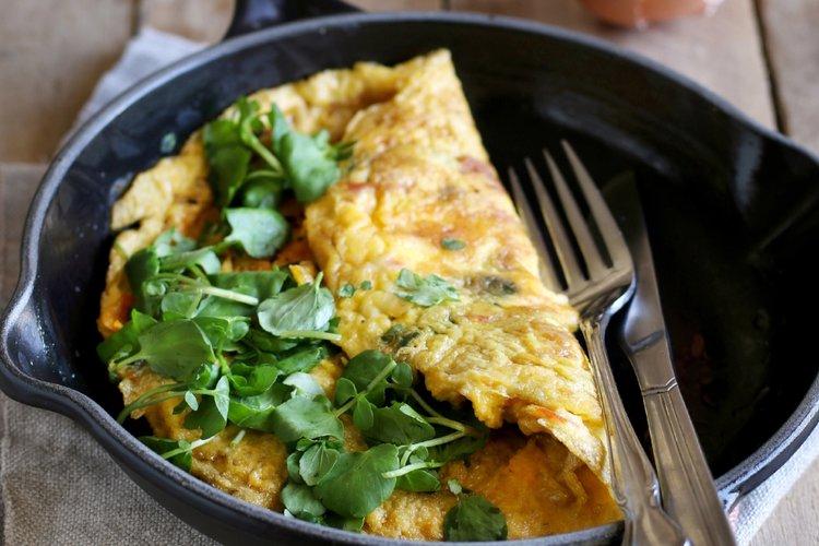 Awatercress, mushroom and Stilton omelette