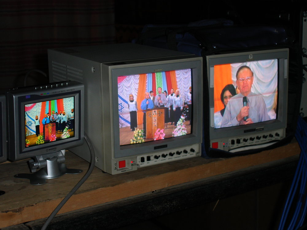 All-Russia LIVE TV broadcast: In 2004, during one major campaign, David reached over 40 million Russians every day for ten consecutive days with LIVE-TV Evangelism.