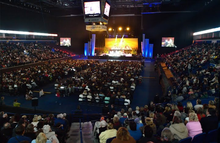 In 2009, David held the first of two mass crusades in Vilnius, Lithuania. Attended by tens of thousands of people, these events unified for the first time, Christians across all denominations - Catholic and Protestant - in the preaching of the Gospel.
