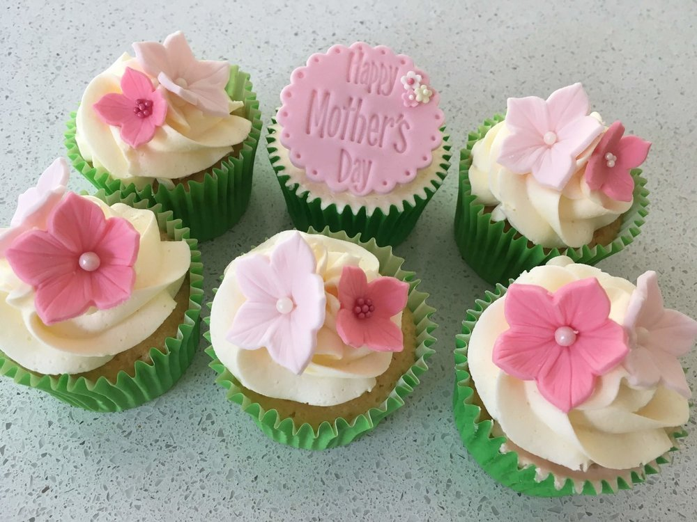 Mothers-Day-Cupcakes