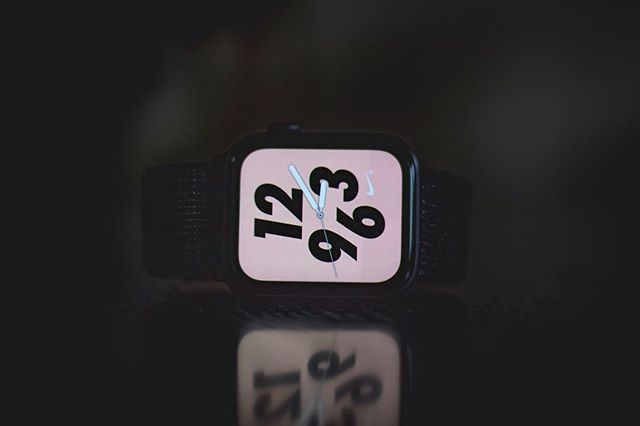 @Apple hire me . . . #watch #applewatch #applewatchseries3 #series3 #series4 #applewatchseries4 #apple #wearableart #wearable #tech #technology #siliconvalley #minimal #time #calligraphy #typography #hands #numbers #seconds #display #screen #light #dark #canon #photography #lightroom #photoshop #smartwatch