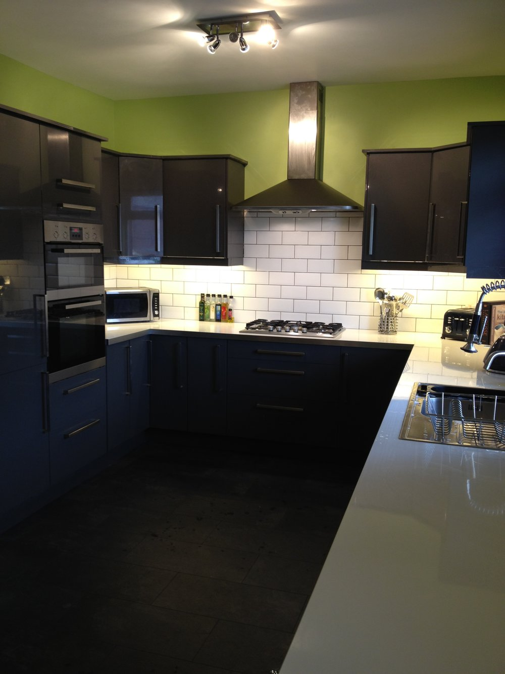 Kitchens - Supply and fit of kitchens, fitting service (flat-packed or pre-built), renovations and extending of kitchens.