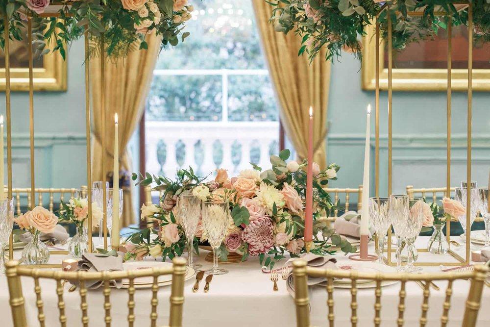 Floral table decor by Miriam Faith. (   Claire Graham Photograhy   )