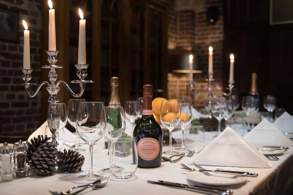 116-wine-bar-christmas-table-min-2.jpg