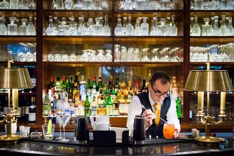 116-carlton-bar-cocktail-wide-min-2.jpg