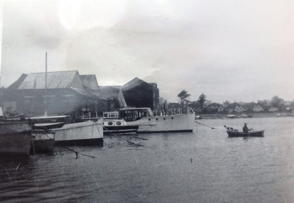 Aquabelle at Fareham.jpg