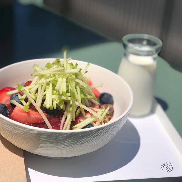 Crunchy, tasty granola from @adeliafinefoods - topped with yoghurt, poached rhubarb & seasonal fruit.  #delicious #breakfast #melbourne #carlton #melbournefoodie #melbournefood #islandlife