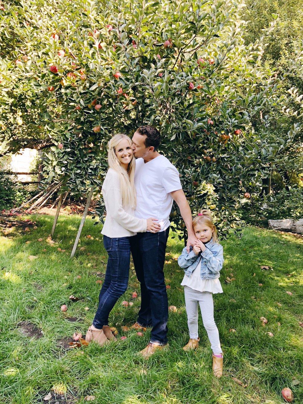 family apple picking.jpg