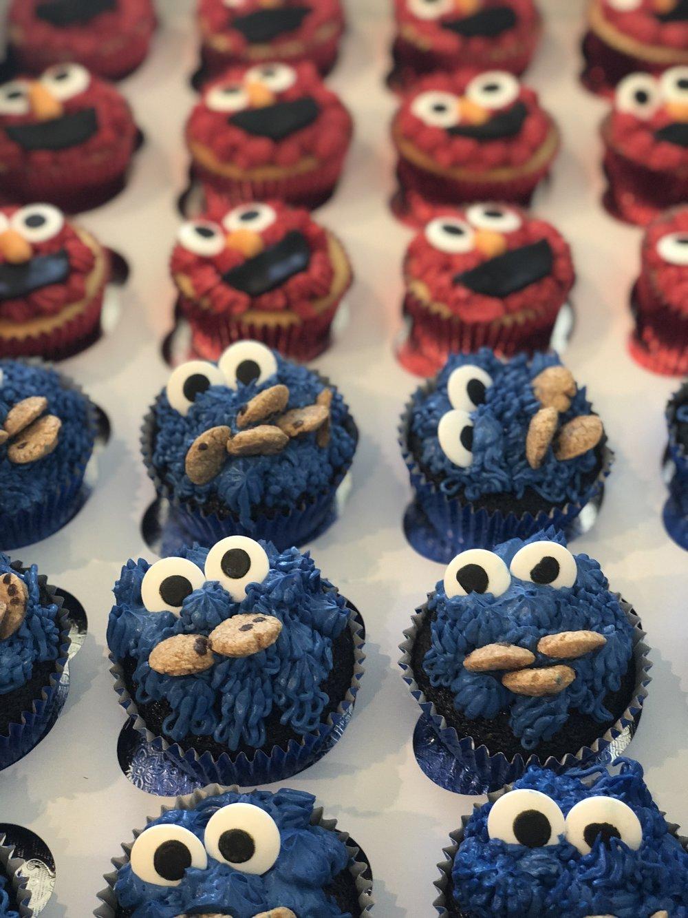 Elmo Cupcakes - Cookie Monster Cupcakes - Mwokaji Cakery .jpg