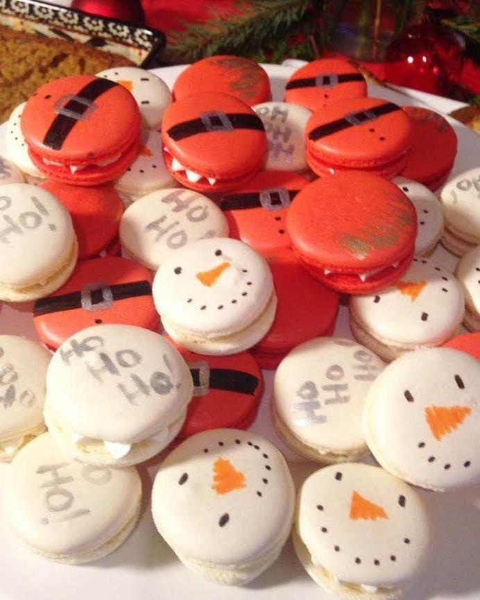 Christmas Macarons .jpg