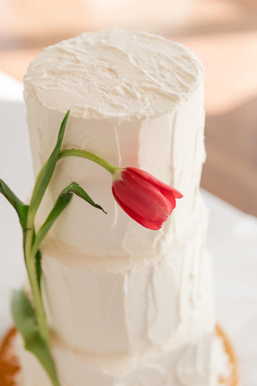 Mwokaji_cakes_Rustic Buttercream with Tulip (1).jpg
