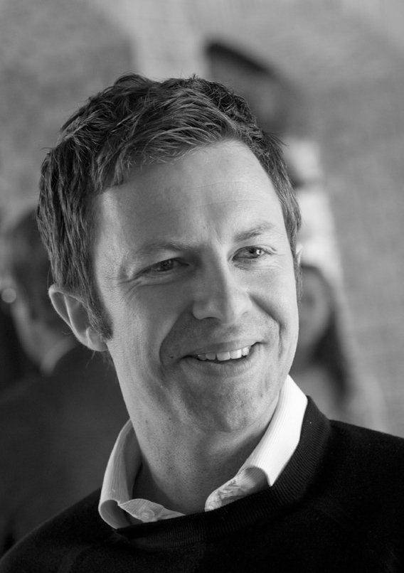 Thomas B. Poulsen, Ph.D. - Associate Professorthpou@chem.au.dkOffice: 1513-418Curriculum Vitae