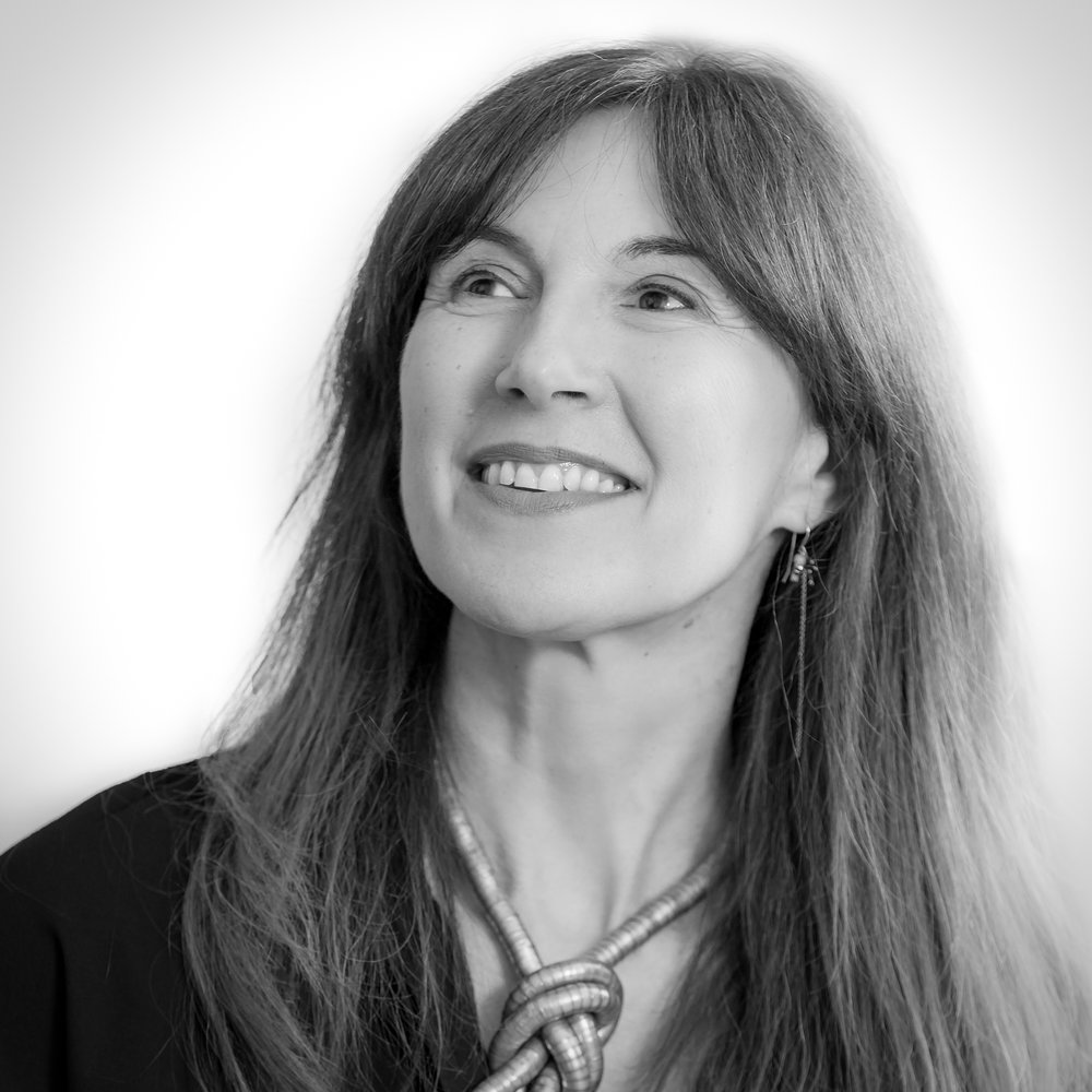 Alyna - Sales Director