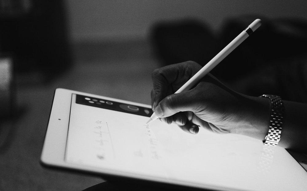 Notre expérience. - Préparer des politiques en matière d'e-sécurité concernant les employés travaillant sur leur propre matériel électronique («Bring Your Own Device ») et sur l'utilisation des réseaux sociaux.Collaborer avec une société de conseil en ressources humaines sur le droit à la déconnexion et les limites du recueil d'informations liées à l'activité professionnelle.Mettre à jour les politiques d'anti-corruption d'une société internationale exerçant une activité principale en France avec les dispositions de la loi Sapin II.Former les équipes d'un cabinet de recrutement international sur les obligations en matière de vie privée, le RGPD et la gestion des données relatives à ses candidats et à ses clients.