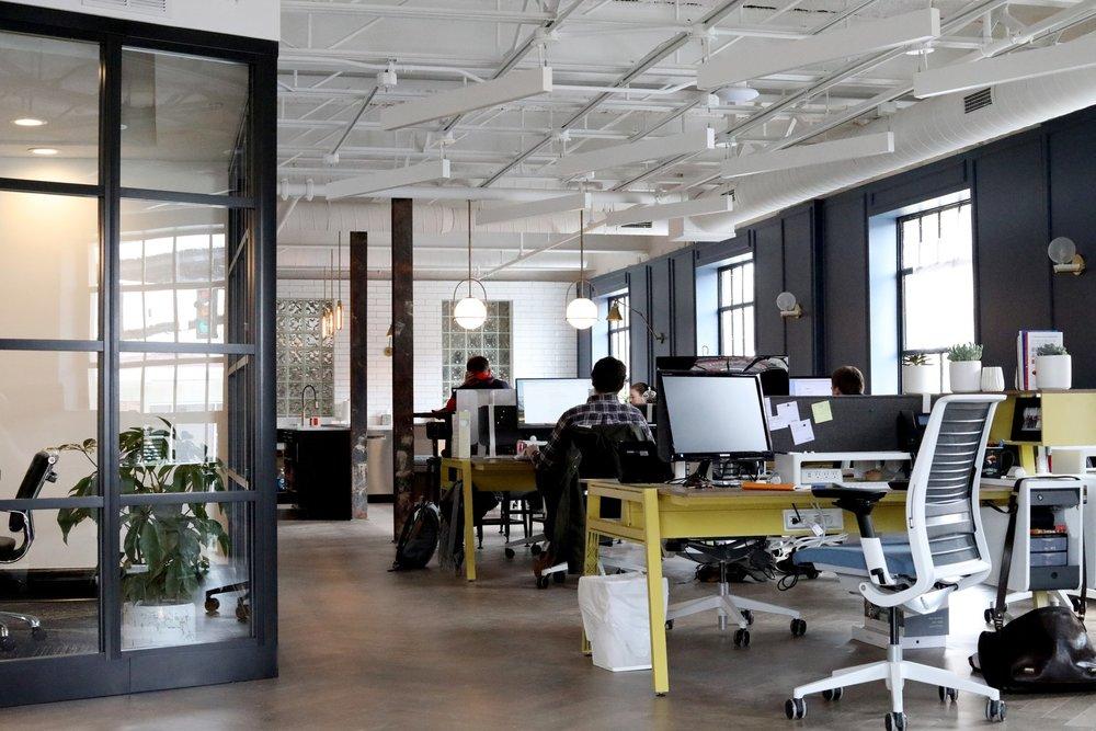 TPE / PME - Nous intégrons lors d'un atelier votre équipe de communication pour lui apporter des solutions afin de répondre aux objectifs de votre entreprise.
